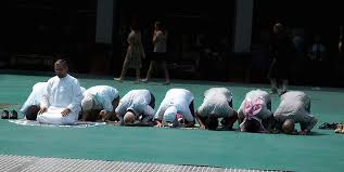 taking-a-knee-in-prayer