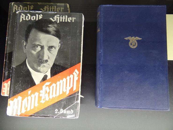 Display_of_Copies_of_Hitlers_Mein_Kampf_-_Documentation_Center_in_Congress_Hall_-_Nuremberg-Nurnberg_-_Germany.jpg