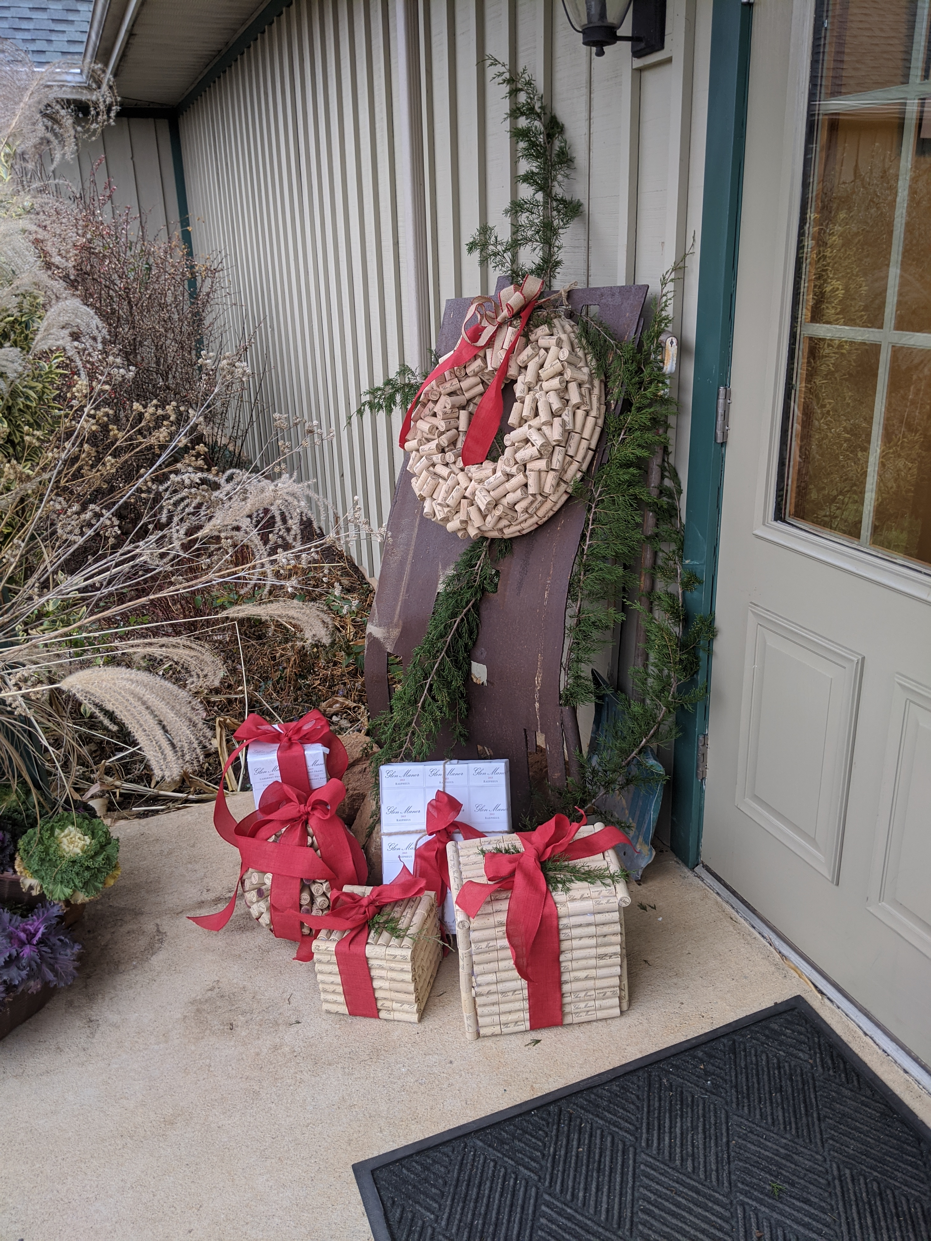 cork sculpture--kissing ball boxes wreath--Glen Manor
