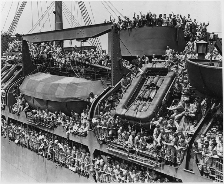 Soldier returning home on the USS General Harry Taylpor in August 1945